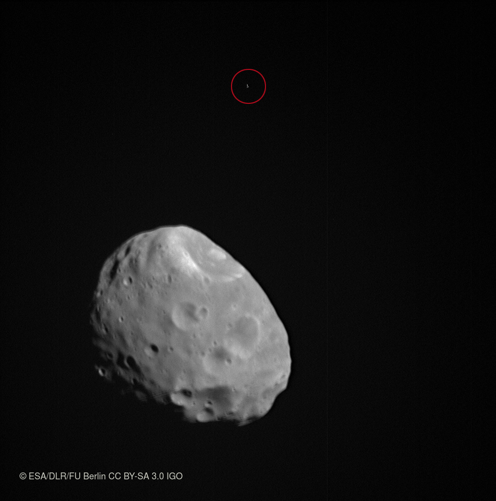 1567214405360-MarsExpress_Phobos_and_background_star_20180108.jpg