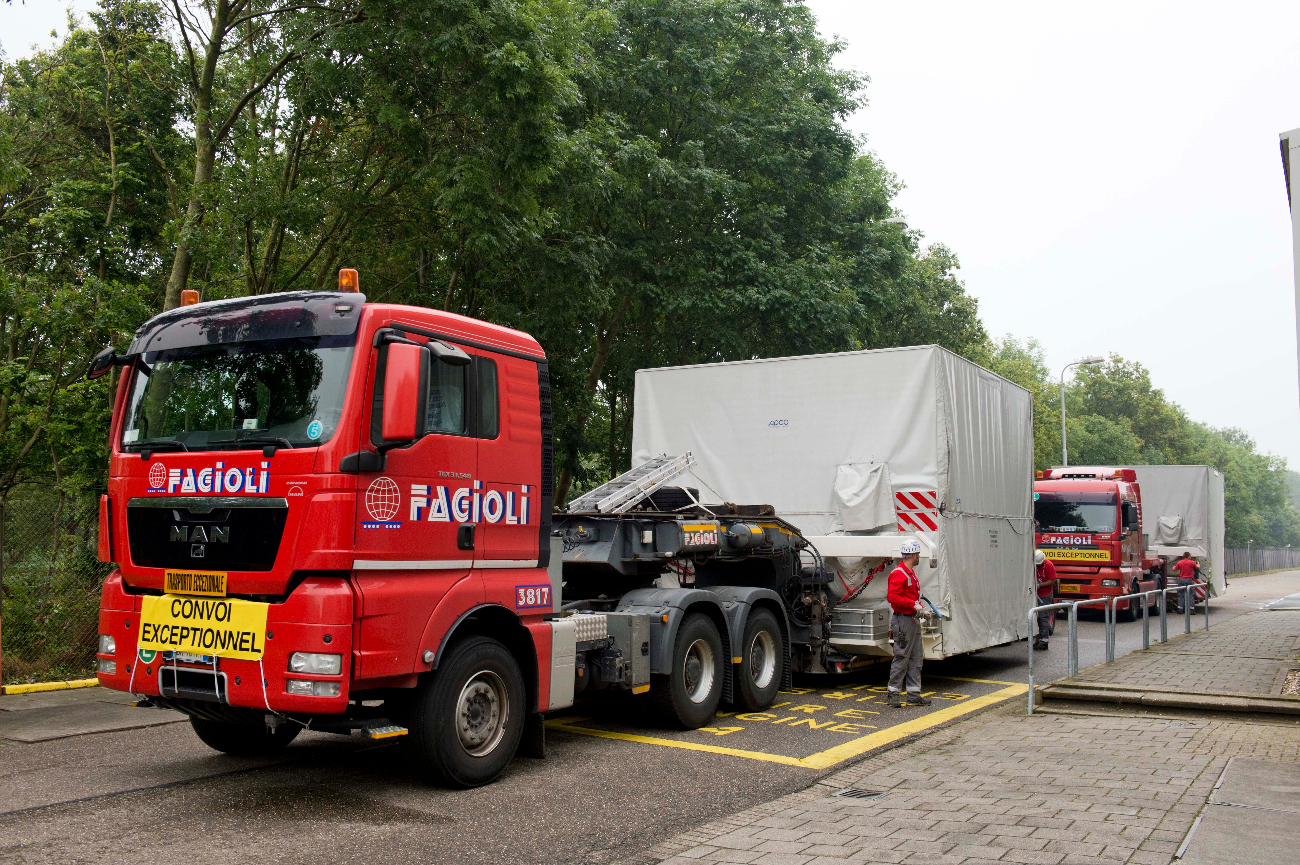 1567216206404-BepiColombo_MTM-and-MOSIF_arrival-at-ESTEC-July-2014_1.jpg