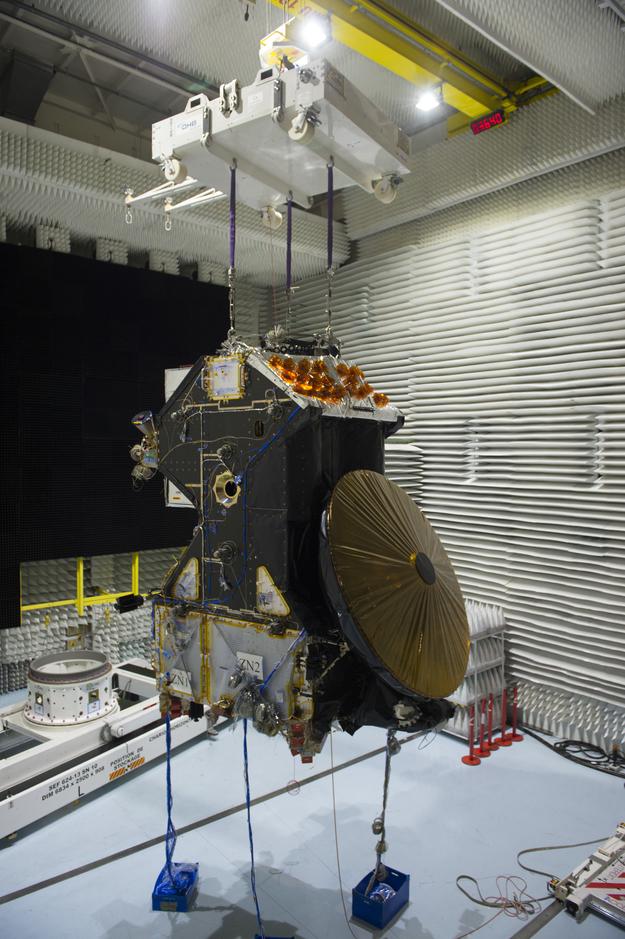 Préparation de la mission ExoMars 2016 (TGO + EDM) - Page 5 ExoMars_Trace_Gas_Orbiter_during_tests_March_2015_1_625