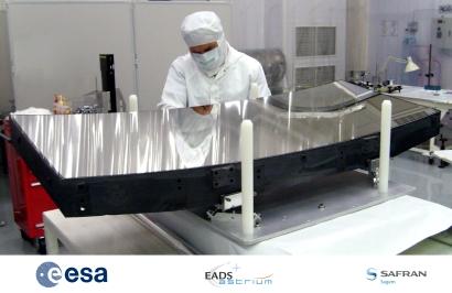 Nouvelles du satellite europ en ga a lancement en 2013 for Fabrication de miroir