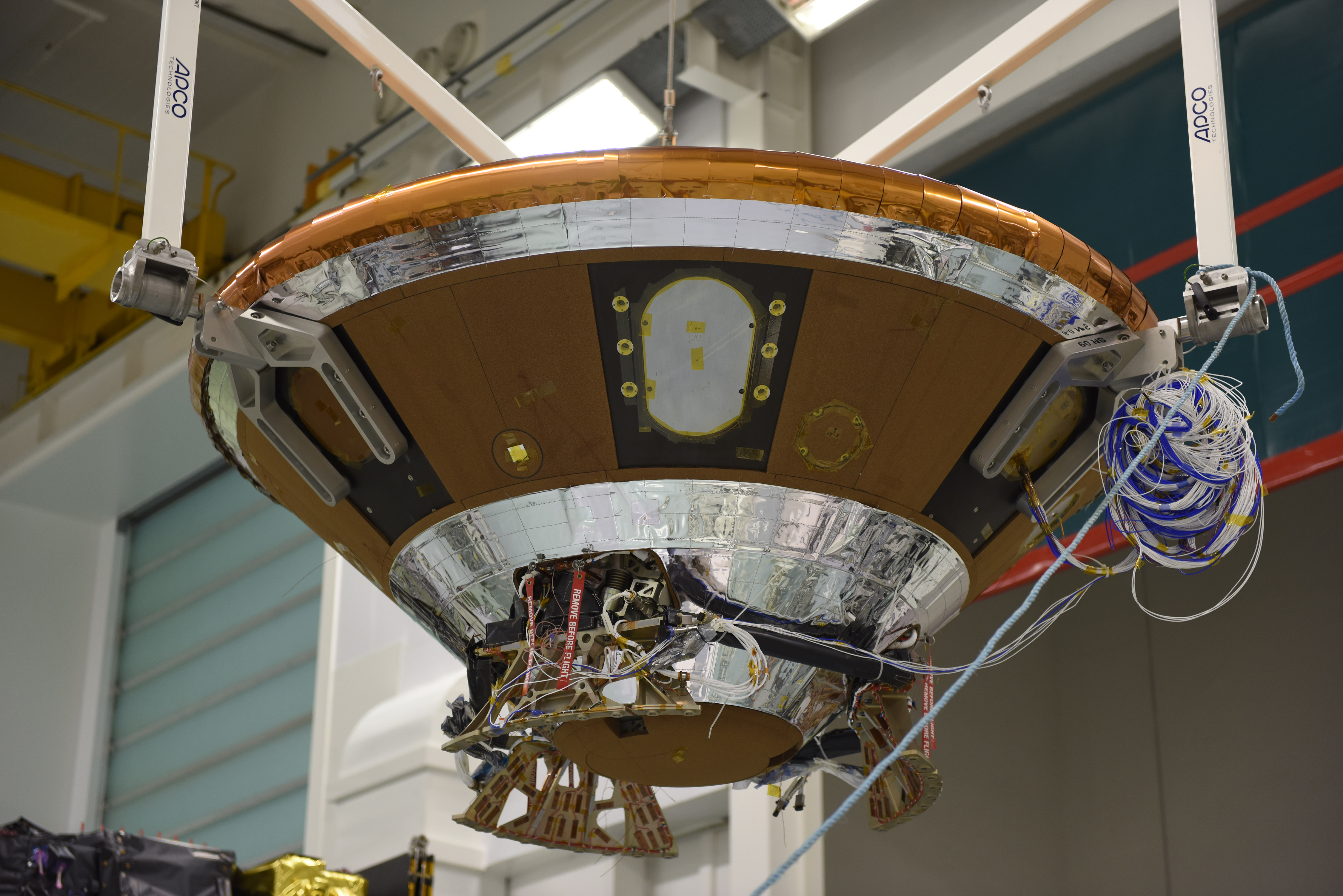 ExoMars2016_EDM_installation_on_top_of_T