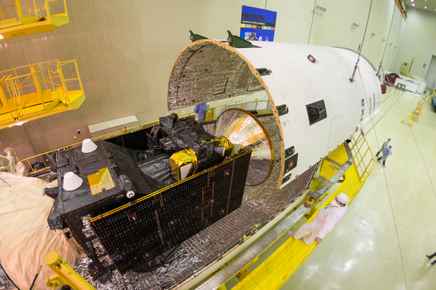 ExoMars 2016 während der Integration mit der Oberstufe am 2.3.2016, Quelle: ESA