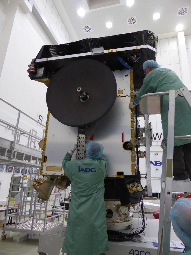 Solar Orbiter - Préparation et mission en orbite héliocentrique SolarOrbiter_P1070119_625x833